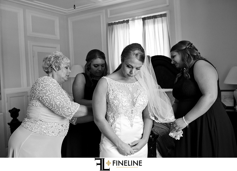 George Washington Hotel Washington PA FINELINE Wedding bride getting ready