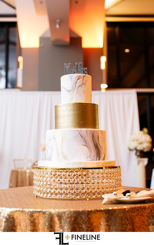 marble cake with gold layer