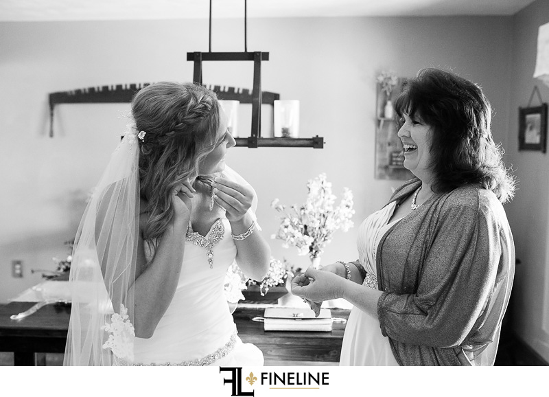 bride getting ready photos by FINELINE weddings Greensburg PA
