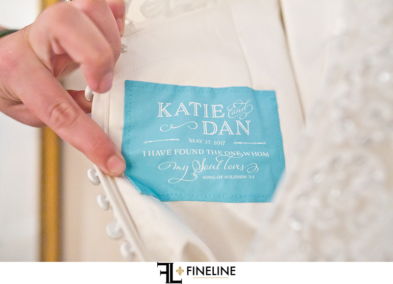 something blue -tag with wedding date for dress