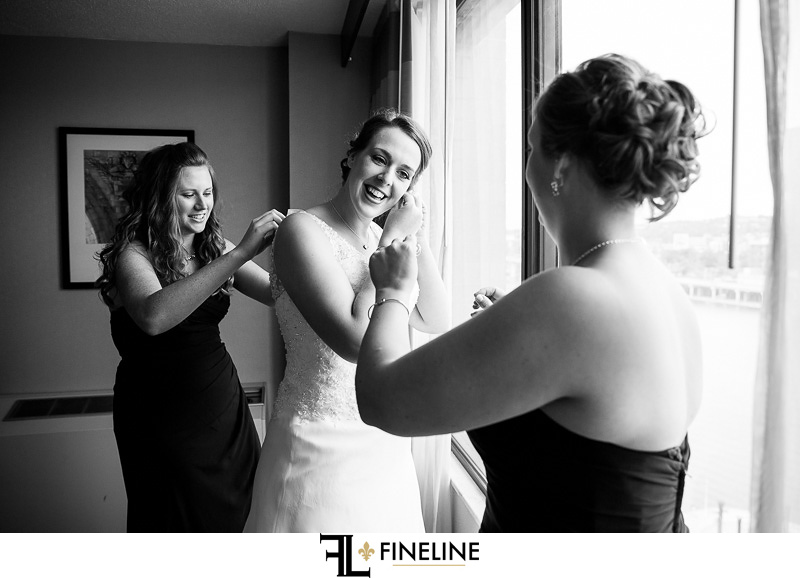hotel with view of pittsburgh wedding photography